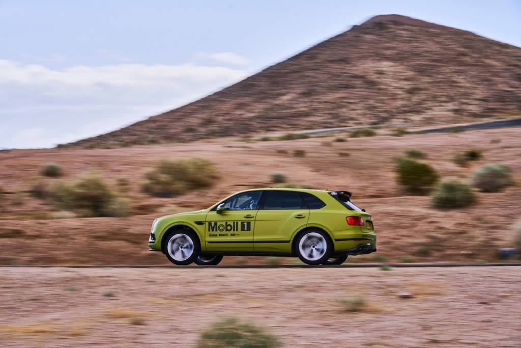 bentayga-ready-to-race-to-the-clouds_02