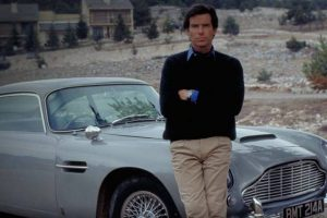 Bonhams leiloa Aston Martin DB5 de James Bond