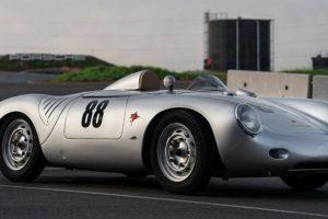 """Porsche 550 Spyder """"Giant Killer"""" de 1957 vai a leilão por 4 milhões de euros"""
