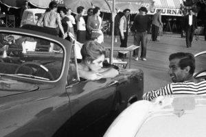Cápsulas do Tempo: O automóvel e o Feminino