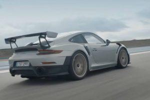 O novo 911 GT2 RS: Walter Röhrl vs. Mark Webber