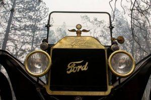 Ford T de 1915 sobrevive a incêndio na Califórnia