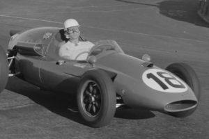 """Ex-piloto de F1 Mário """"Nicha"""" Cabral celebra 85 anos"""