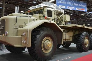 Berliet T100: O gigante do deserto