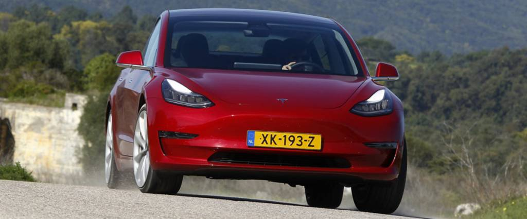 Ensaio do Tesla Model 3 Performance: Sport ou Romance?