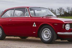 Alfa Romeo Giulia GTA: Una bella macchina