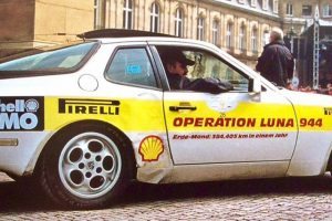 Snapshot: Da Terra à Lua num Porsche 944S