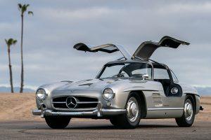 Mercedes-Benz 300 SL do vocalista dos Maroon 5 vai a leilão