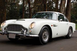 Aston Martin DB5 é a estrela do leilão da RM Sotheby's em Monterey