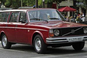 """Volvo 245 DL """"barn find"""" de 1976 vai a leilão no Salão Motorclássico"""