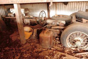 A história de um Jaguar XK 120 desaparecido e encontrado debaixo de uma mesa