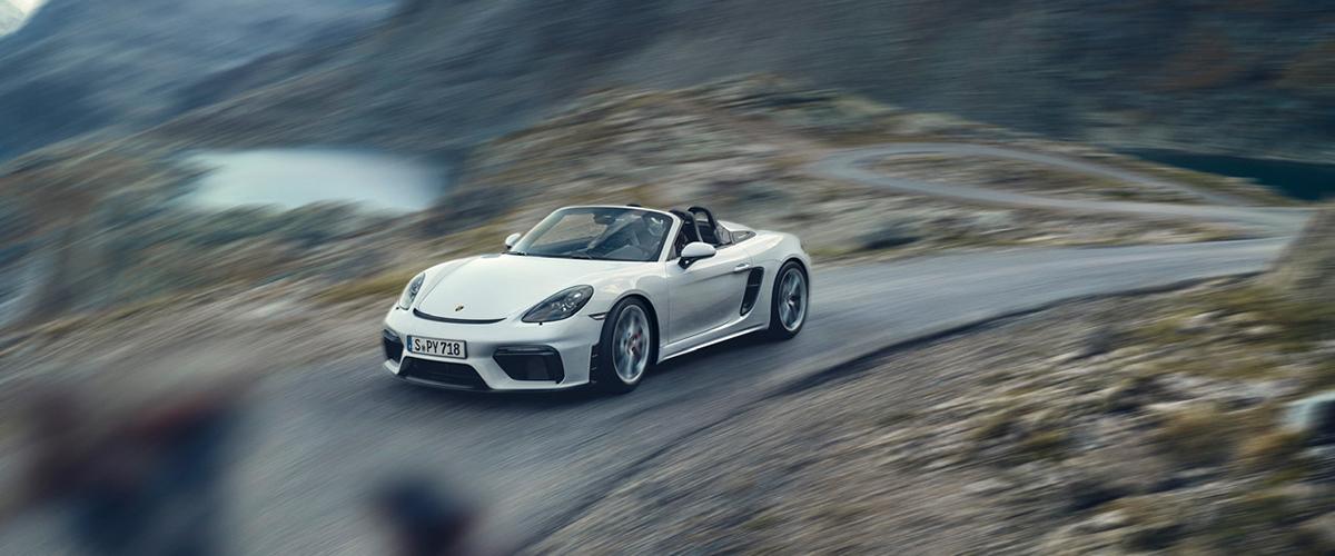 Porsche lança modelos desportivos com motores atmosféricos