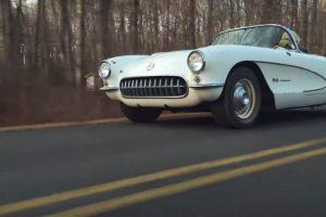 Richard Huxley conduz o seu Corvette há quase 50 anos