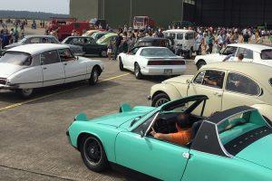 Dia da Base Aberta em Ovar contou com desfile de automóveis clássicos