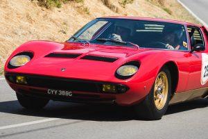 80 automóveis alinham na Rampa Histórica Michelin