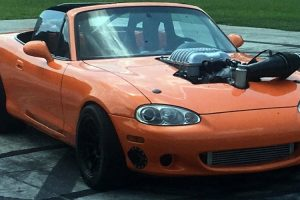 Barrett-Jackson leva a leilão Mazda MX-5 com motor Hellcat