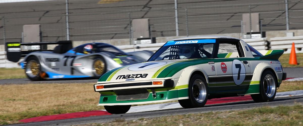 O primeiro Mazda RX-7 SA22C desenvolvido para competir no IMSA