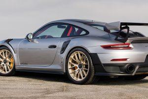 Porsche 911 GT2 RS: Um puro-sangue da marca de Estugarda