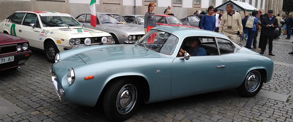 50 automóveis clássicos da Lancia desfilaram na cidade do Porto