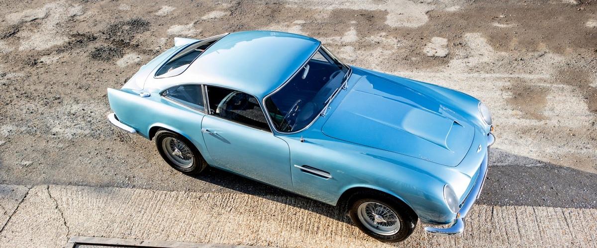 Aston Martin DB4 GT Lightweight vai a leilão por 3,5 milhões de euros