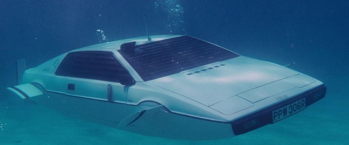 Elon Musk é o proprietário do Lotus Esprit utilizado por James Bond