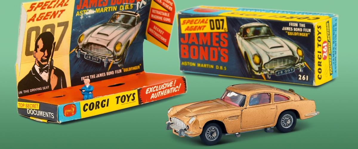 O sucesso do Aston Martin DB5 de James Bond reproduzido pela Corgi em 1965