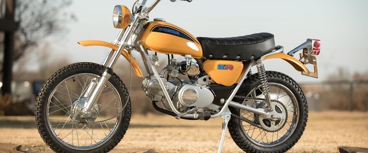 Honda SL70, a pequena moto muito popular entre os jovens americanos dos anos 70