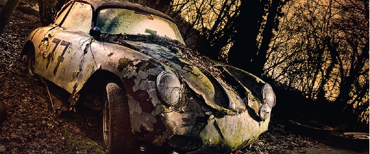 "Descubra a beleza dos automóveis clássicos abandonados em ""Lost Wheels"" de Dieter Klein"