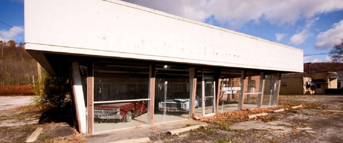 Quinze concessionários de automóveis abandonados pelo Mundo