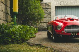 Apoie o livro da colecção de automóveis do Museu do Caramulo