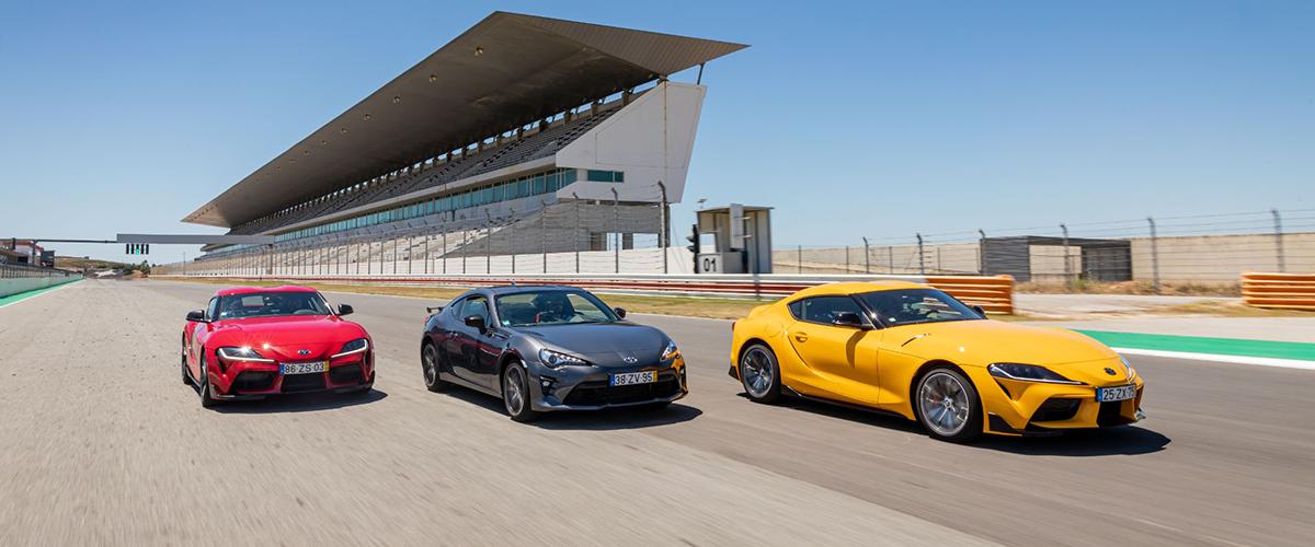 Trio de Toyota Supra em destaque na autoDRIVE