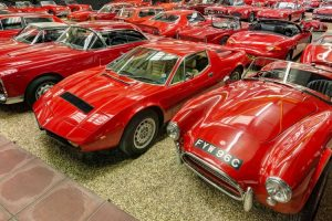 A colecção de automóveis vermelhos do Haynes International Motor Museum