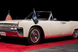 Lincoln Continental utilizado por John F. Kennedy vai a leilão