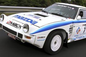 O Mazda RX-7 de Grupo B do piloto Rhys Millen