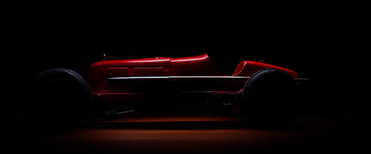 A réplica do Alfa Romeo 8C 2300 Monza à escala 1:8 que demorou 40 anos a construir