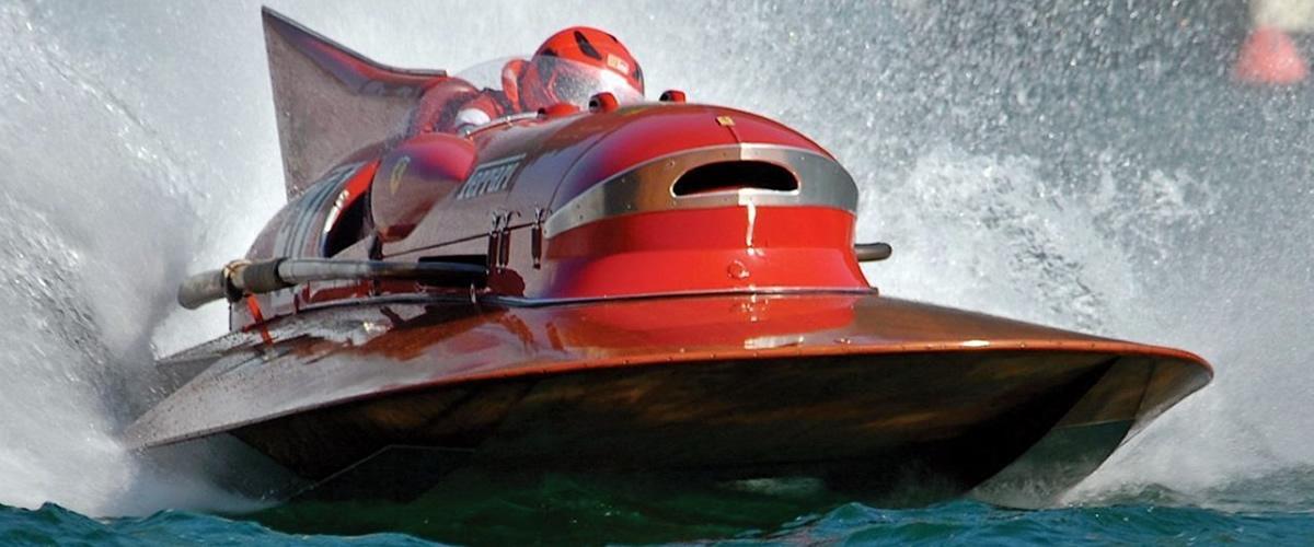 Arno XI, o Ferrari dos mares está à venda