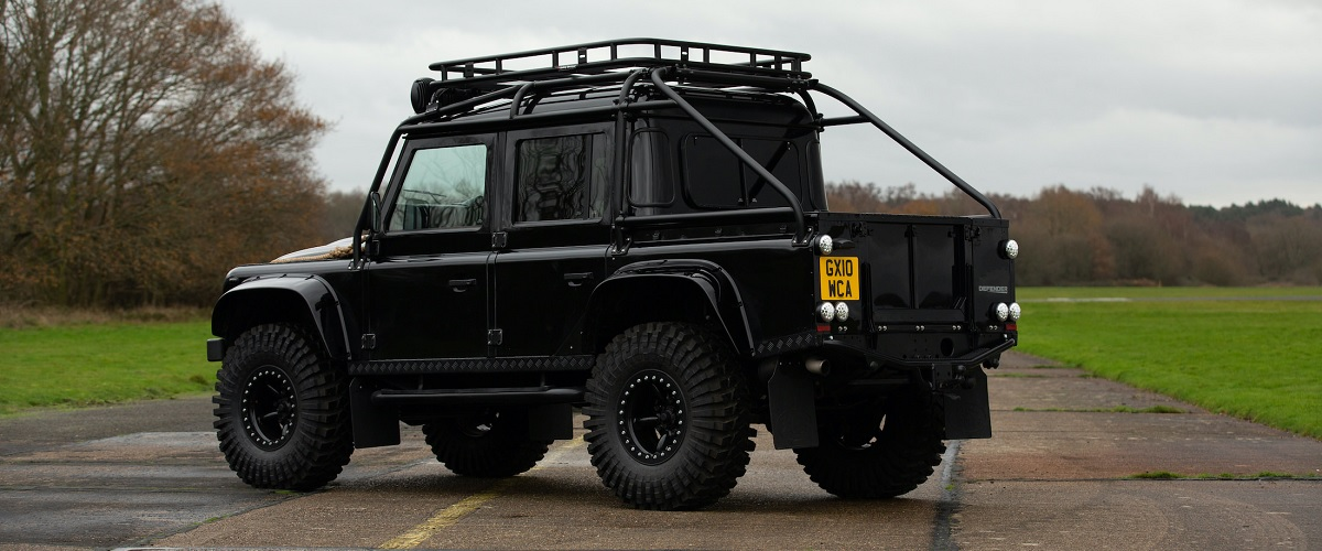 Um dos Land Rover Defender SVX do filme Spectre vai a leilão