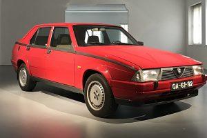 Alfa Romeo 75 Turbo reforça colecção do Museu do Caramulo