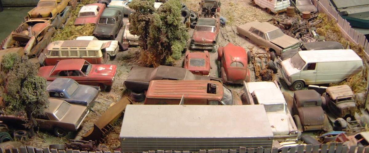 O mundo dos automóveis esquecidos em miniatura de Mike McGee