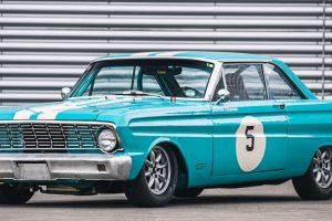 Ford Falcon de competição de Rowan Atkinson vai a leilão