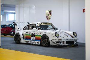 Colecção Porsche com uma palete de cores diversificada vai a leilão