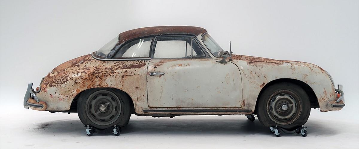 Porsche 356A Cabriolet encontrado numa igreja foi vendido por mais de 190 mil euros