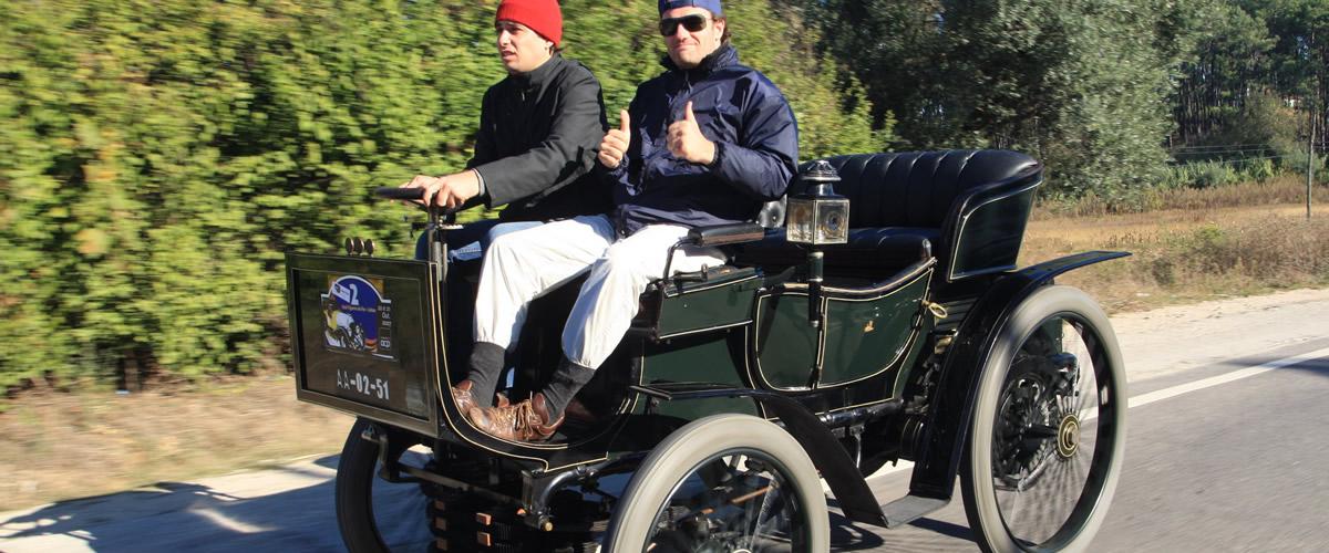 Snapshot: Peugeot de 1899 vs. Natureza