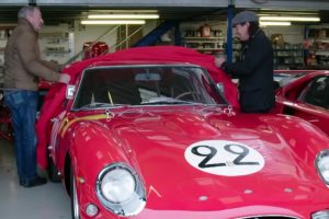O passeio de Brian Johnson no Ferrari 250 GTO de Nick Mason