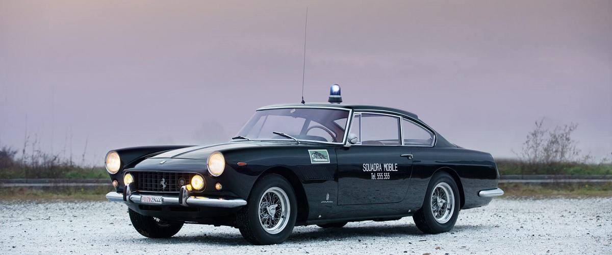 Ferrari 250 GT/E da Polizia de Roma, o mais temido da máfia italiana nos anos 60