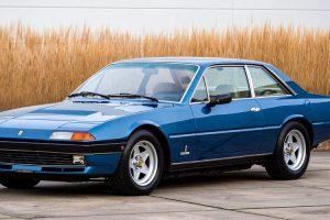 Foi a leilão Ferrari 400i GT que pertenceu a Piero Ferrari
