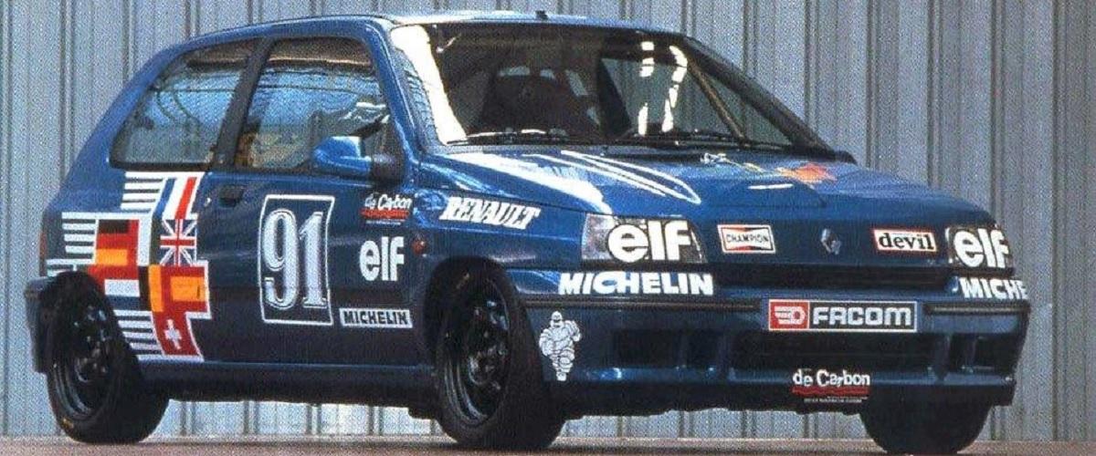 A primeira geração do Renault Clio nos circuitos de velocidade