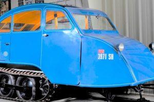 Bombardier B7, um raro snowmobile com motor V8 vai a leilão