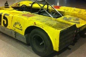 Lola T210 que passou pelas mãos de Mike Hailwood e António Peixinho está à venda