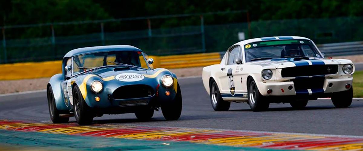 Belgas Van Riet e Bouvy colocam Shelby Cobra na Pole Position